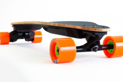 Boosted's v2 electric skateboards go 12 miles with swappable batteries